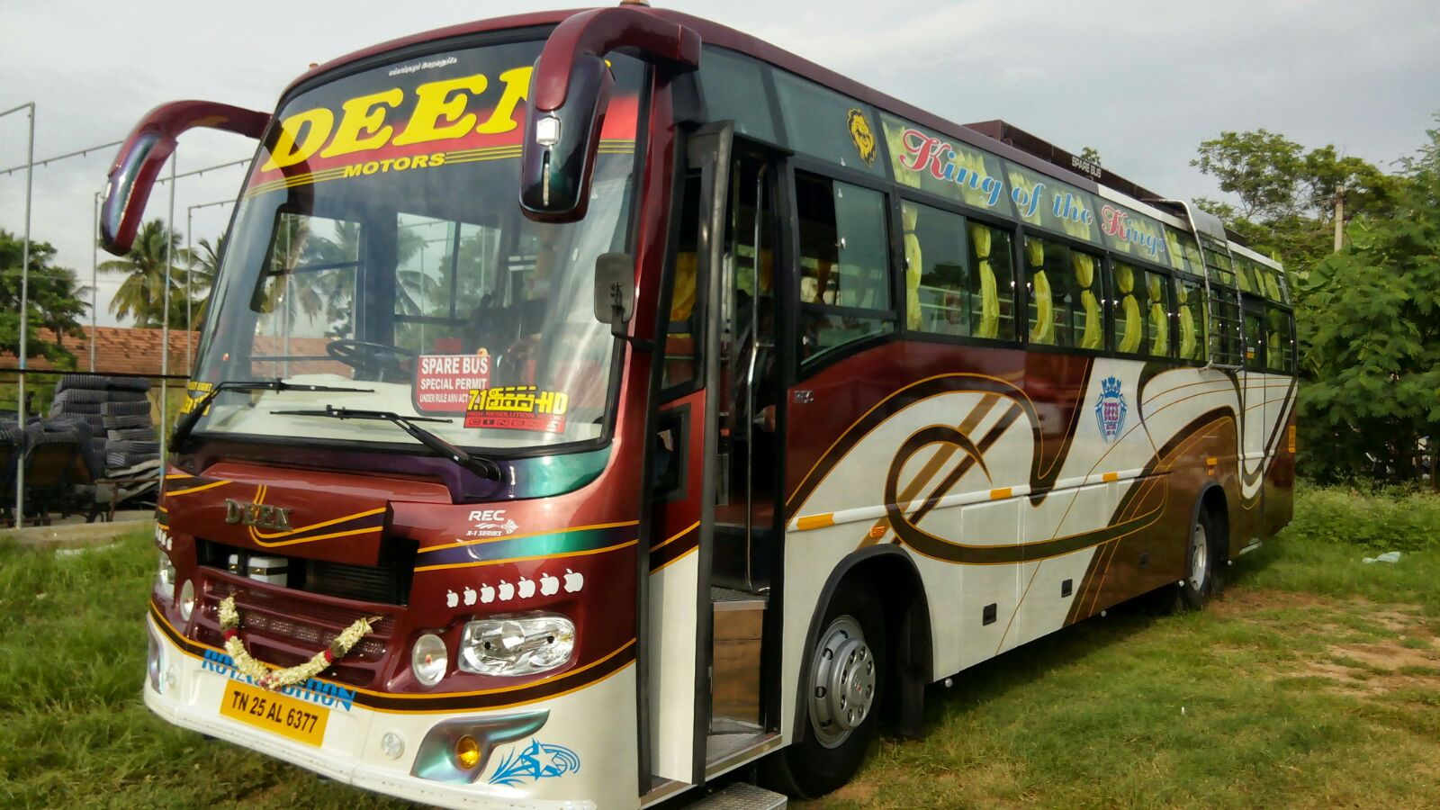 55 Seater Luxury Bus